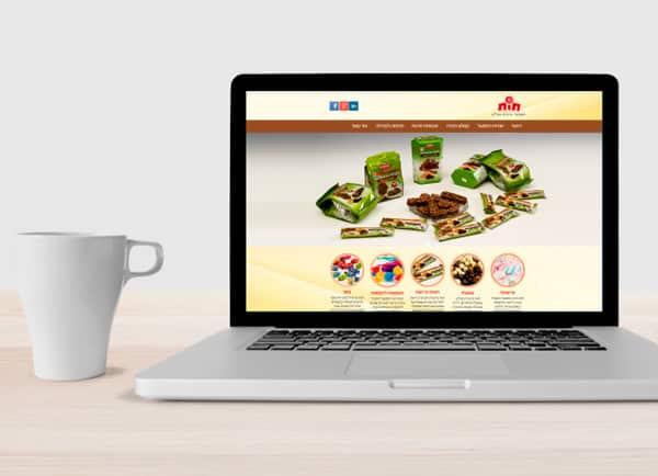web3d, לפטופ, תות, עיצוב אתר תדמיתי