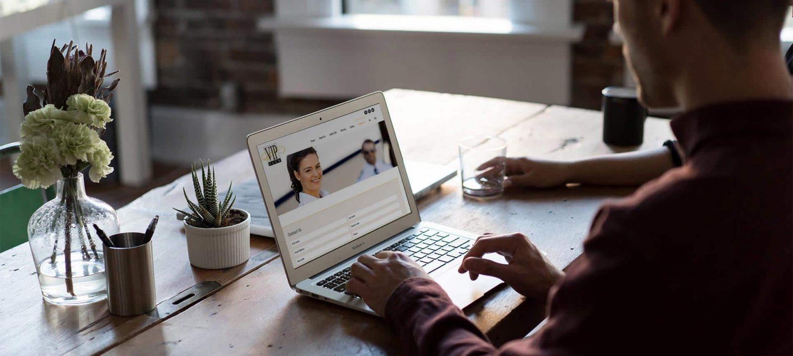 """פרויקט עיצוב אתר תדמית: שירותי אח""""מ – Laufer VIP"""