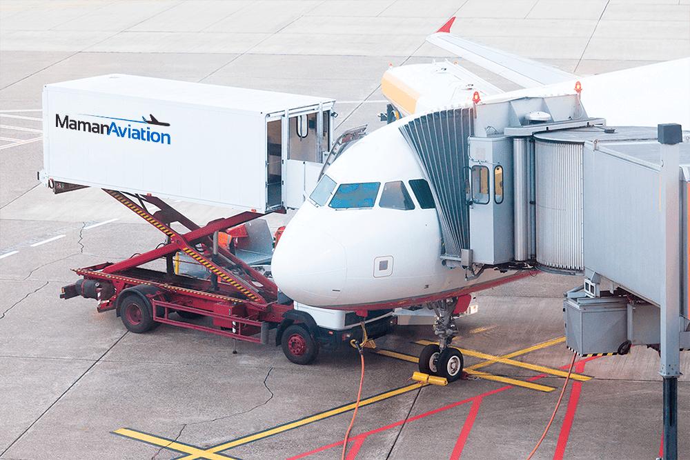 מיתוג של Maman Aviation שילוט בשדות תעופה