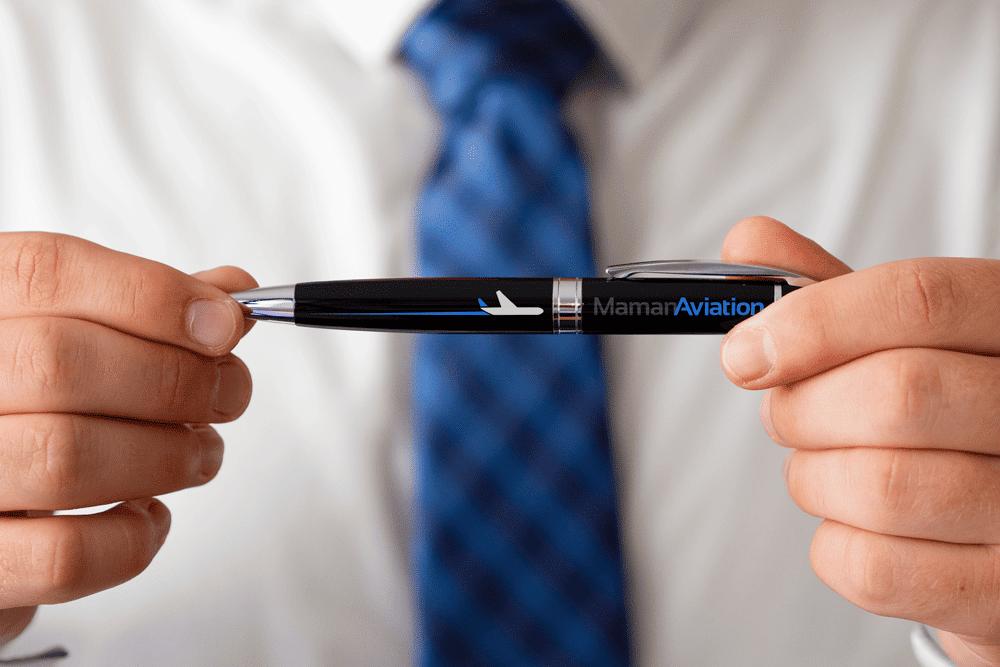 מיתוג של Maman Aviation עטים
